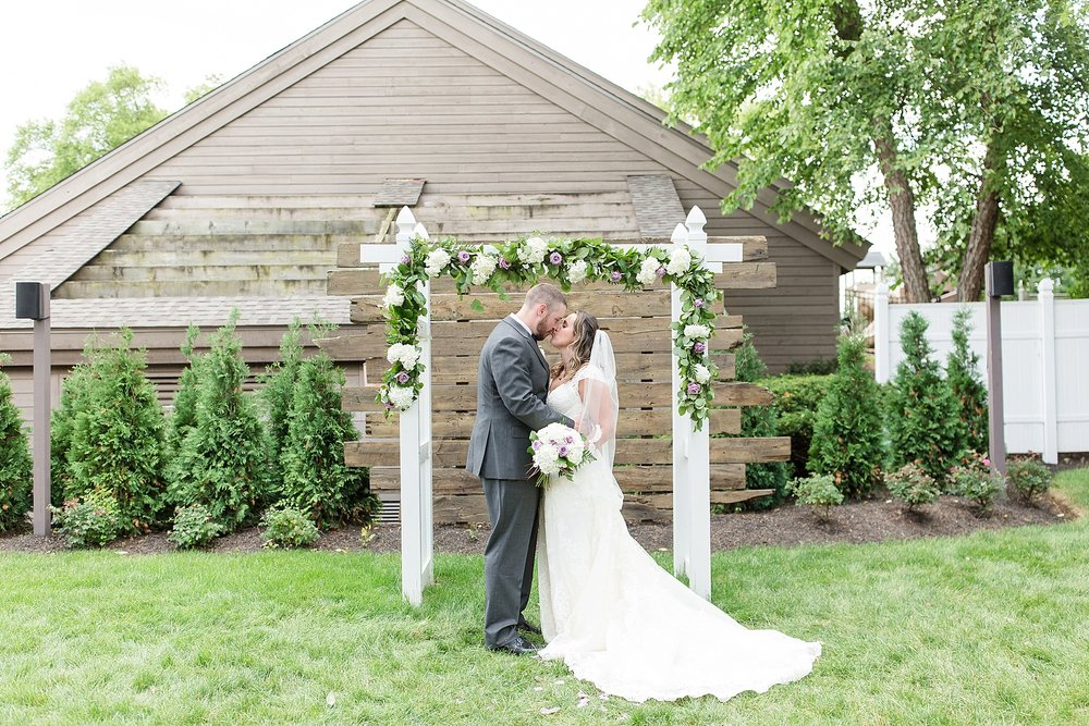 Michelle_Joy_Photography_Waters_Edge_Wedding45.jpg