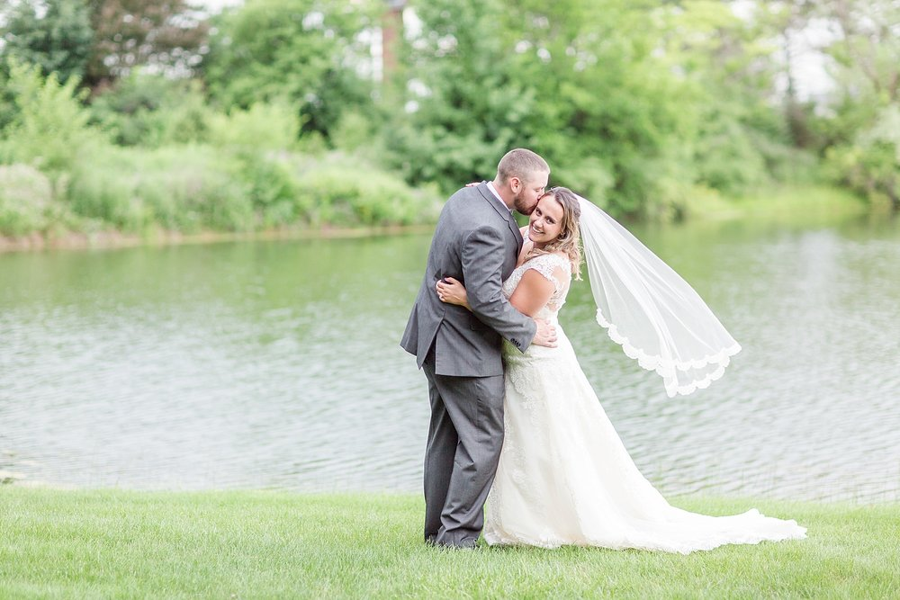 Michelle_Joy_Photography_Waters_Edge_Wedding58.jpg