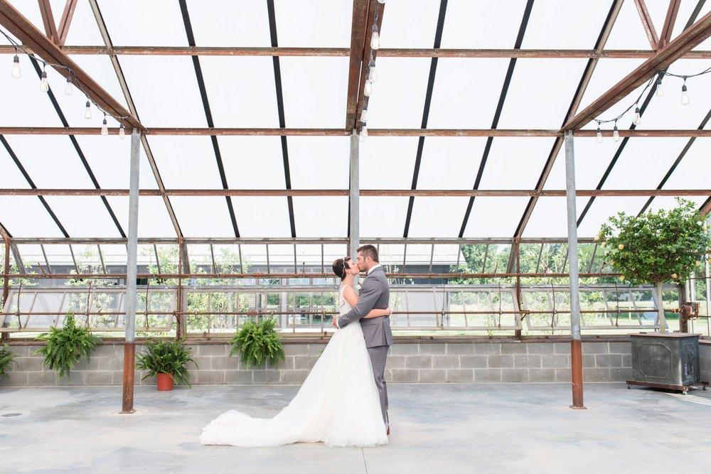 Michelle_Joy_Photography_Jorgensen_Oak_Grove_Wedding_16.jpg