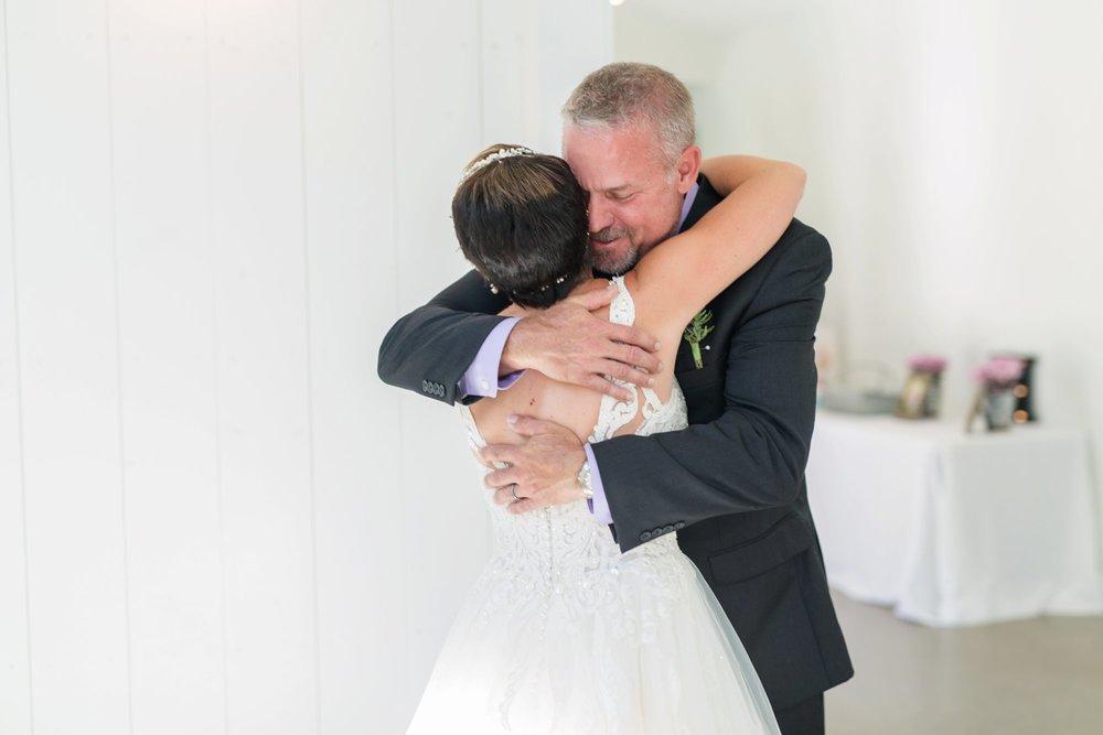 Michelle_Joy_Photography_Jorgensen_Oak_Grove_Wedding_20.jpg