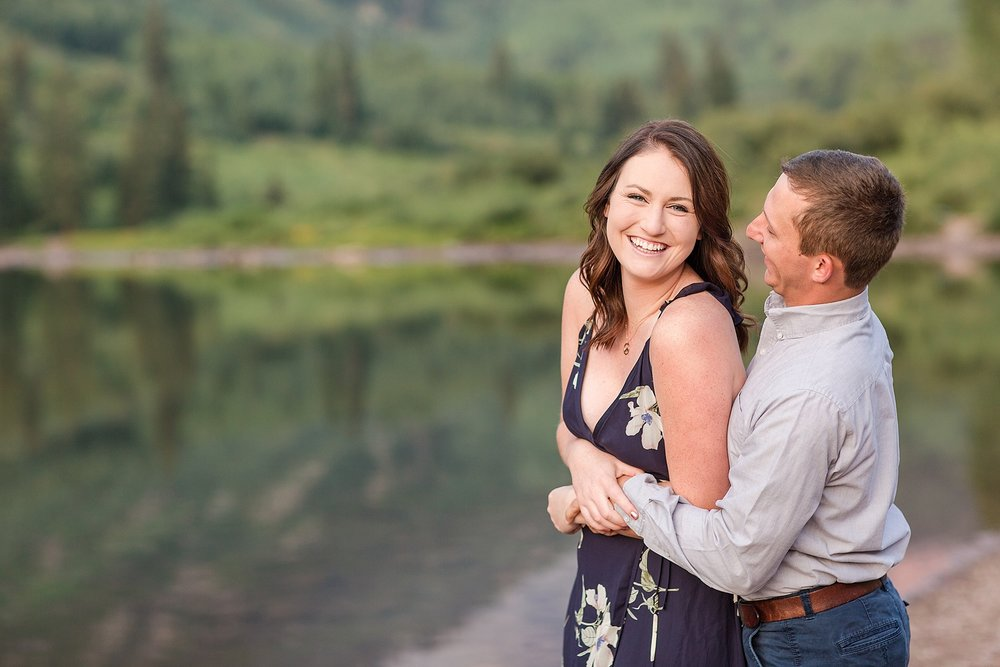 Michelle_Joy_Photography_Destination_Colorado_Engagement_Maroon_Bells_12.jpg