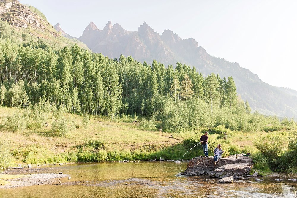 Michelle_Joy_Photography_Destination_Colorado_Engagement_Maroon_Bells_25.jpg