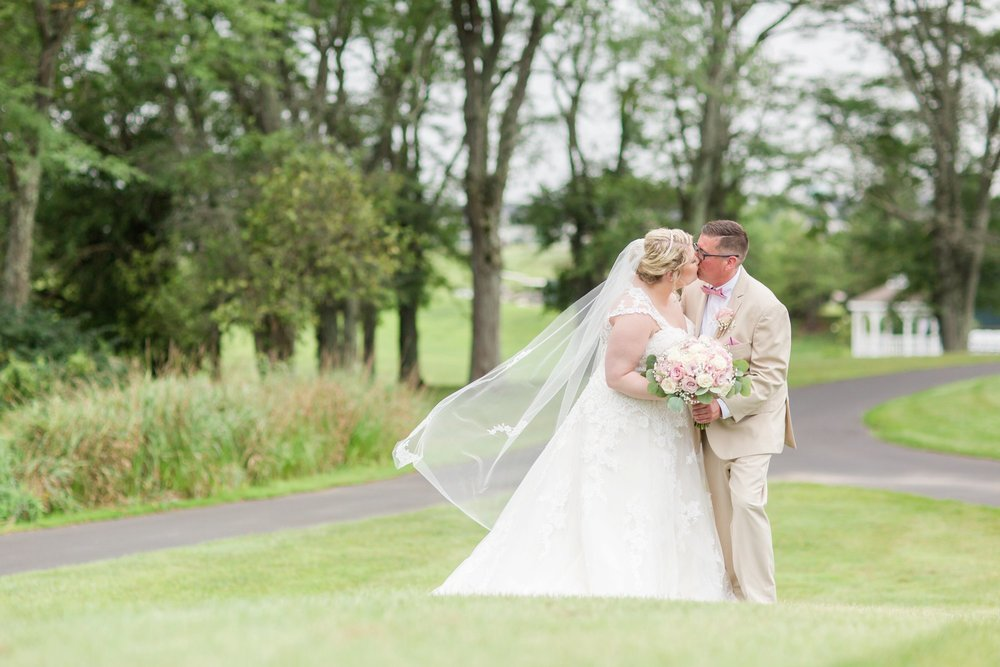 Michelle_Joy_Photography_Blush_Northstar_Golf_Club_Wedding_18.jpg