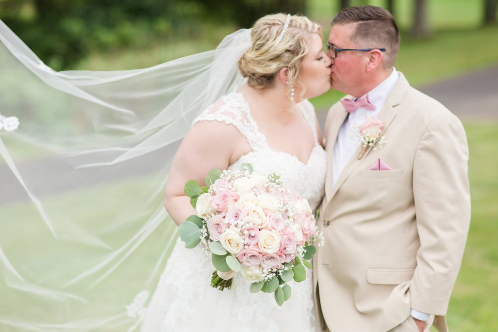 Michelle_Joy_Photography_Blush_Northstar_Golf_Club_Wedding_24.jpg