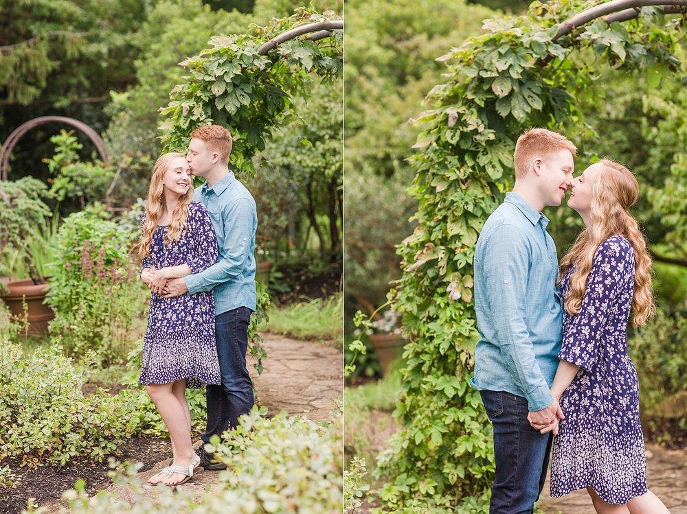 Michelle_Joy_Photography_Columbus_Engagement_Inniswood_Metro_Gardens7.jpg