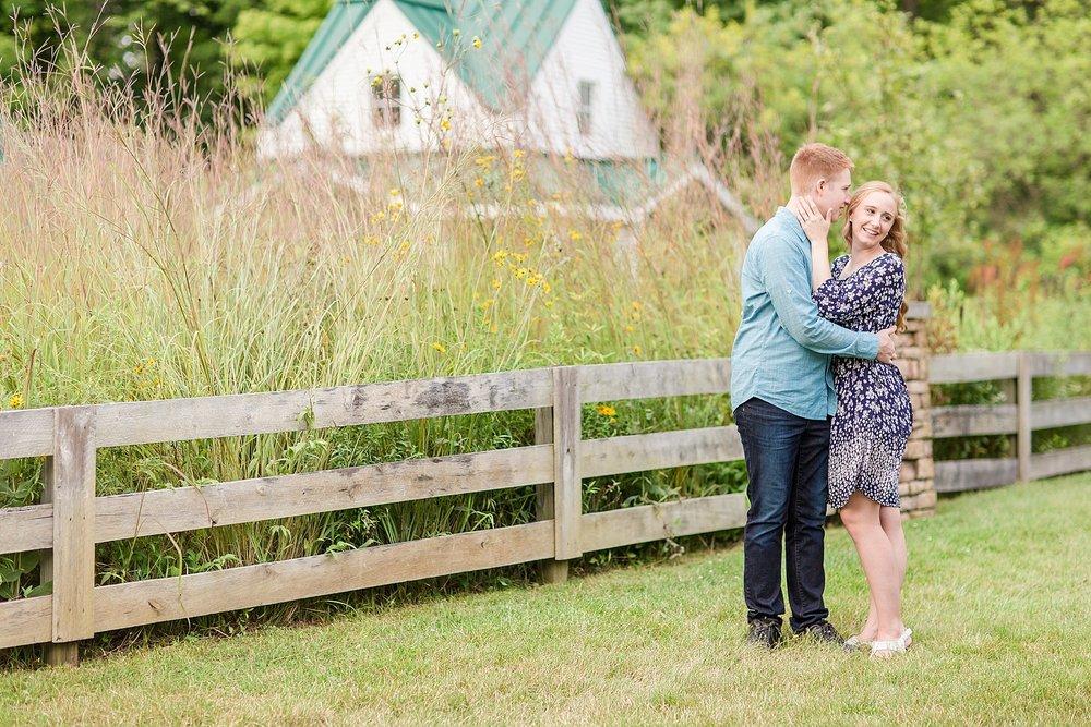 Michelle_Joy_Photography_Columbus_Engagement_Inniswood_Metro_Gardens11.jpg