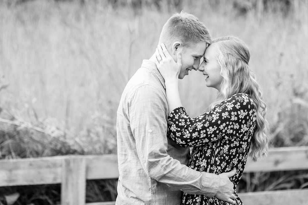 Michelle_Joy_Photography_Columbus_Engagement_Inniswood_Metro_Gardens17.jpg