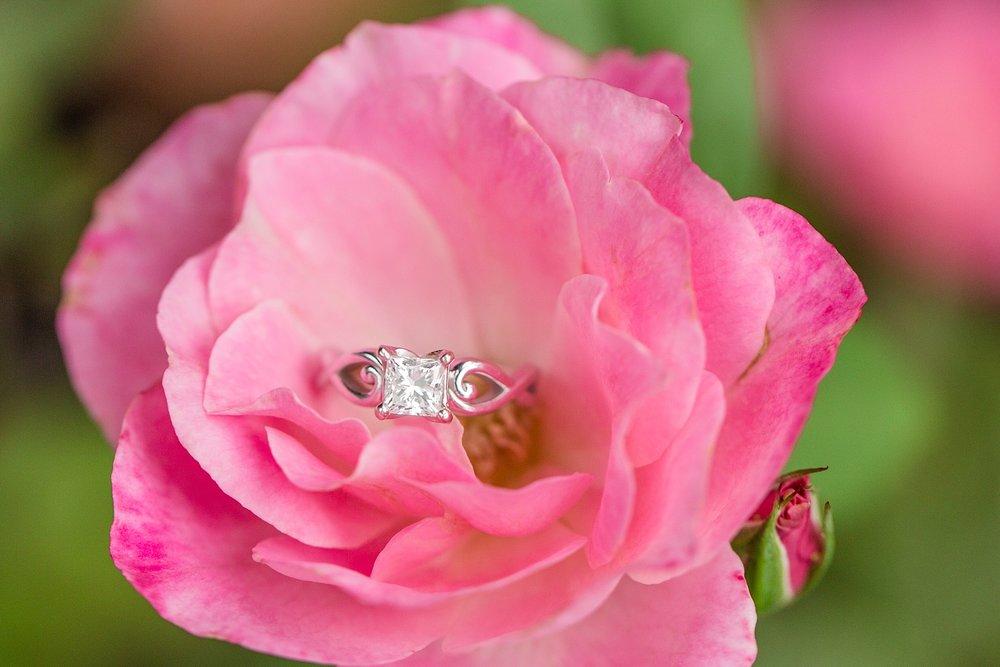 Michelle_Joy_Photography_Columbus_Engagement_Inniswood_Metro_Gardens30.jpg
