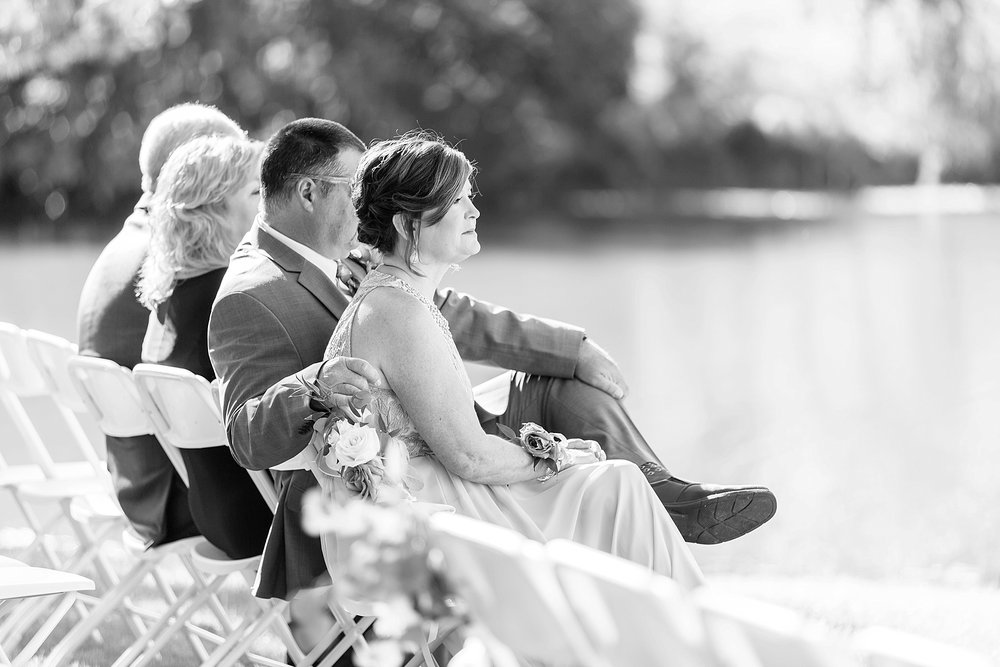 Michelle_Joy_Photography_Columbus_Wedding_Waters_Edge_31.jpg