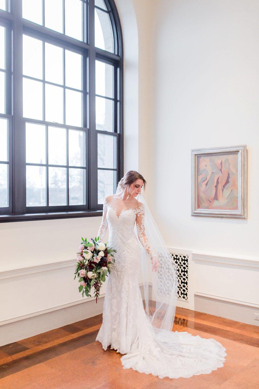 Michelle_Joy_Photography_Dayton_Art_Institute_Fine_Art_Wedding_22.jpg