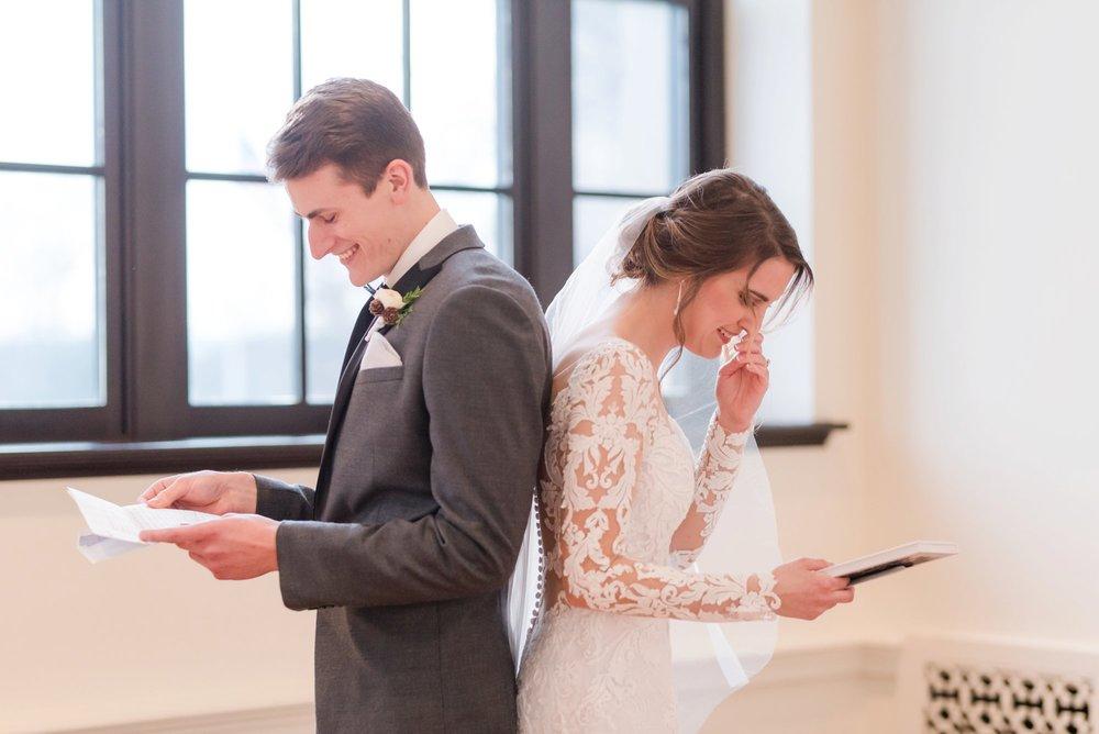 Michelle_Joy_Photography_Dayton_Art_Institute_Fine_Art_Wedding_23.jpg