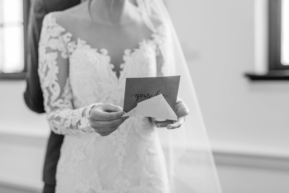 Michelle_Joy_Photography_Dayton_Art_Institute_Fine_Art_Wedding_26.jpg