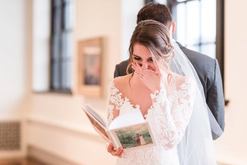 Michelle_Joy_Photography_Dayton_Art_Institute_Fine_Art_Wedding_27.jpg