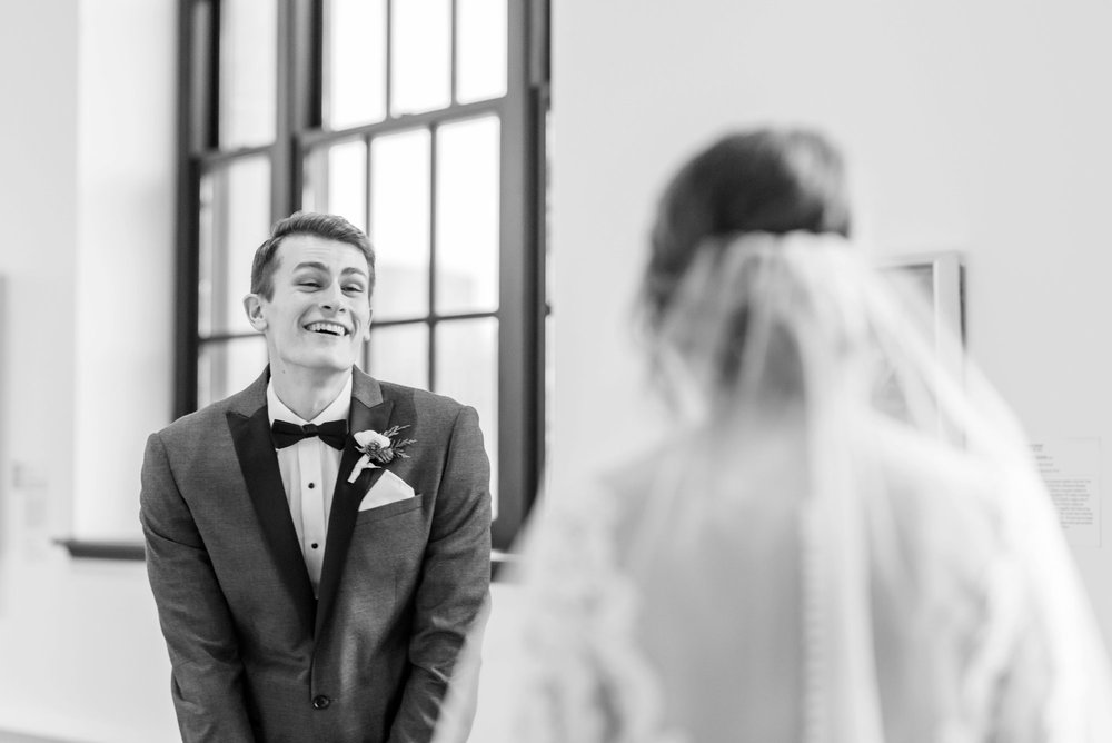 Michelle_Joy_Photography_Dayton_Art_Institute_Fine_Art_Wedding_29.jpg