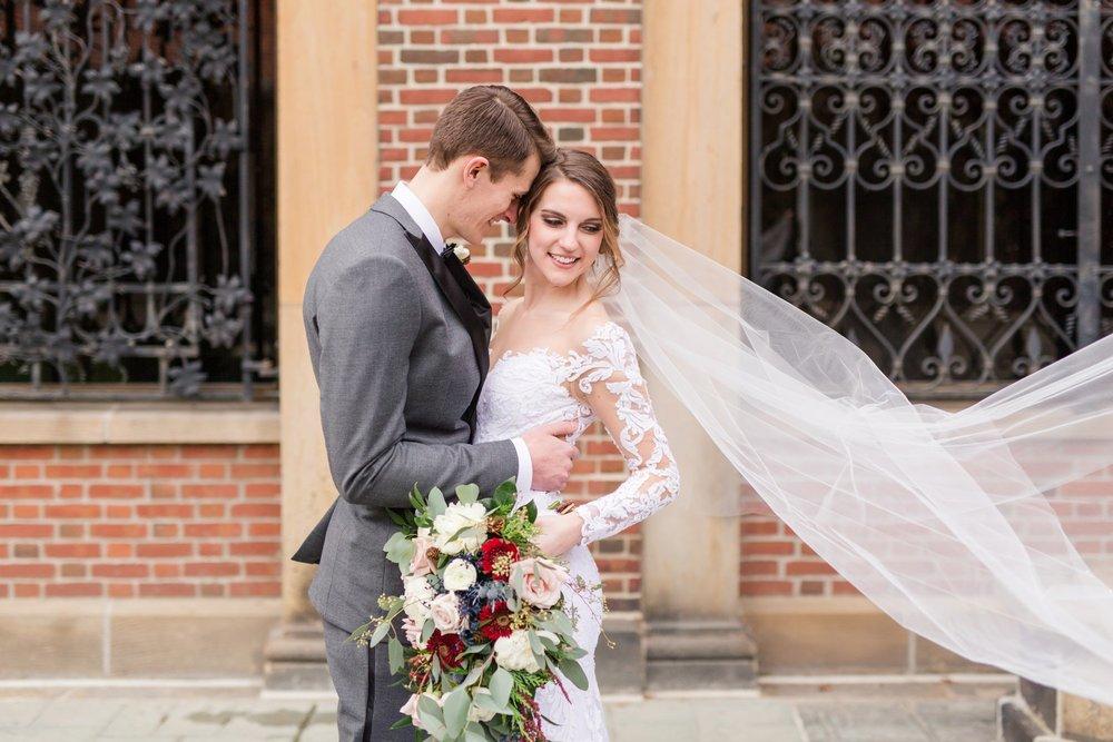 Michelle_Joy_Photography_Dayton_Art_Institute_Fine_Art_Wedding_36.jpg