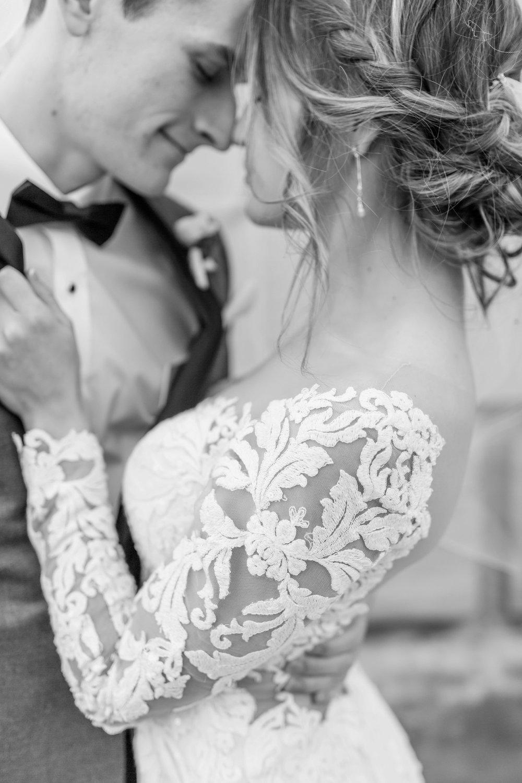 Michelle_Joy_Photography_Dayton_Art_Institute_Fine_Art_Wedding_48.jpg