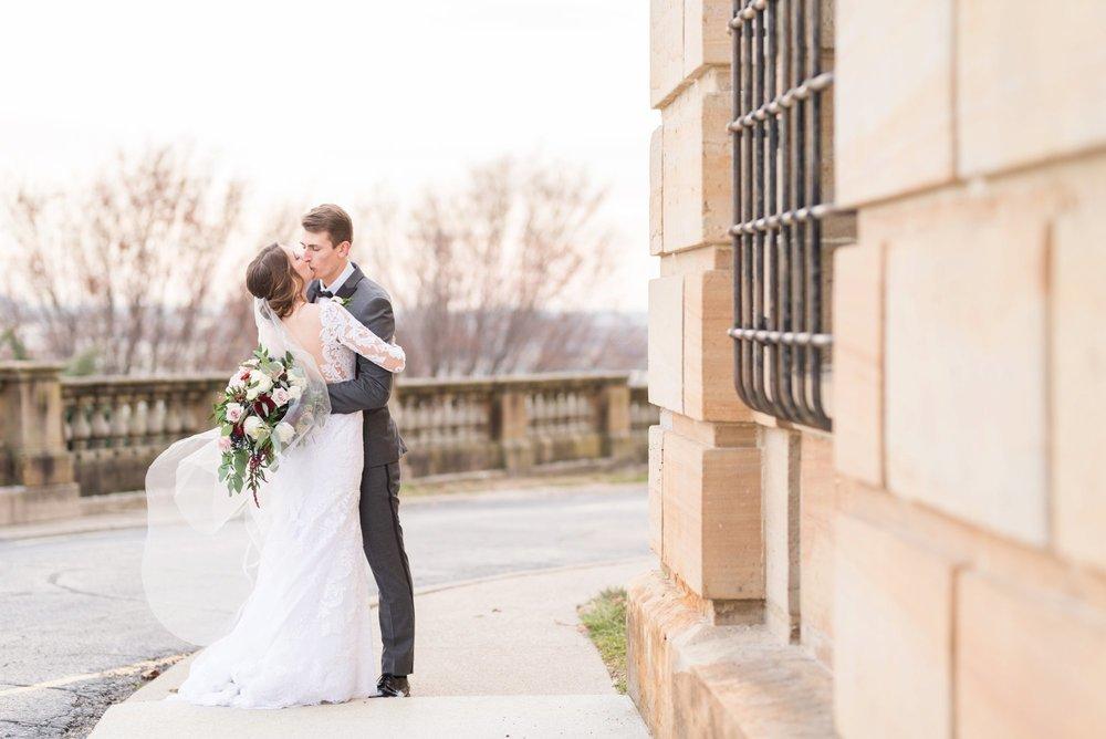 Michelle_Joy_Photography_Dayton_Art_Institute_Fine_Art_Wedding_56.jpg