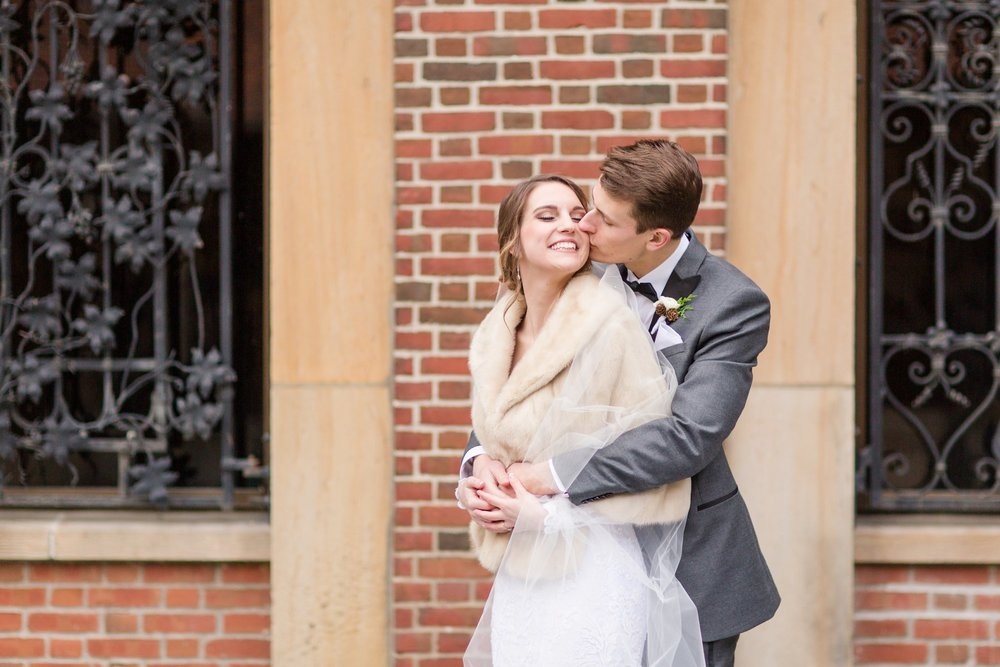 Michelle_Joy_Photography_Dayton_Art_Institute_Fine_Art_Wedding_63.jpg