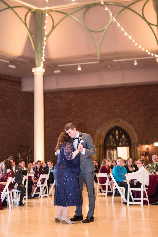 Michelle_Joy_Photography_Dayton_Art_Institute_Fine_Art_Wedding_96.jpg