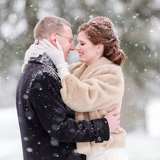 Anyone getting married today and worried about a blizzard rolling in?? Fear not, for snowy days make MAGICAL portraits ✨ #michellejoyphoto #michellejoybrides