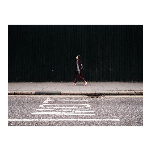 London. - . . . #graphic #street #graphicstreet  #graphicdesign #urban #urbanphotography #lifestyle #street #streetphotography #architecture #architecturelovers #city #lines #design #minimal #minimalism #geometry #conceptual #contemporary #xpro2 #fujixpro2 @fujifilmfrance #fujifilm #fujifilmxpro2