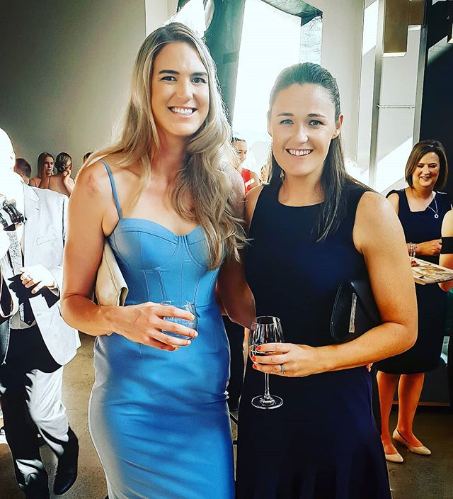 Let's ditch the boys every awards @susanpettitt 😉 can I get in early and ask you to be my plus one for next year? #hotdate #netballausawards #oldducks