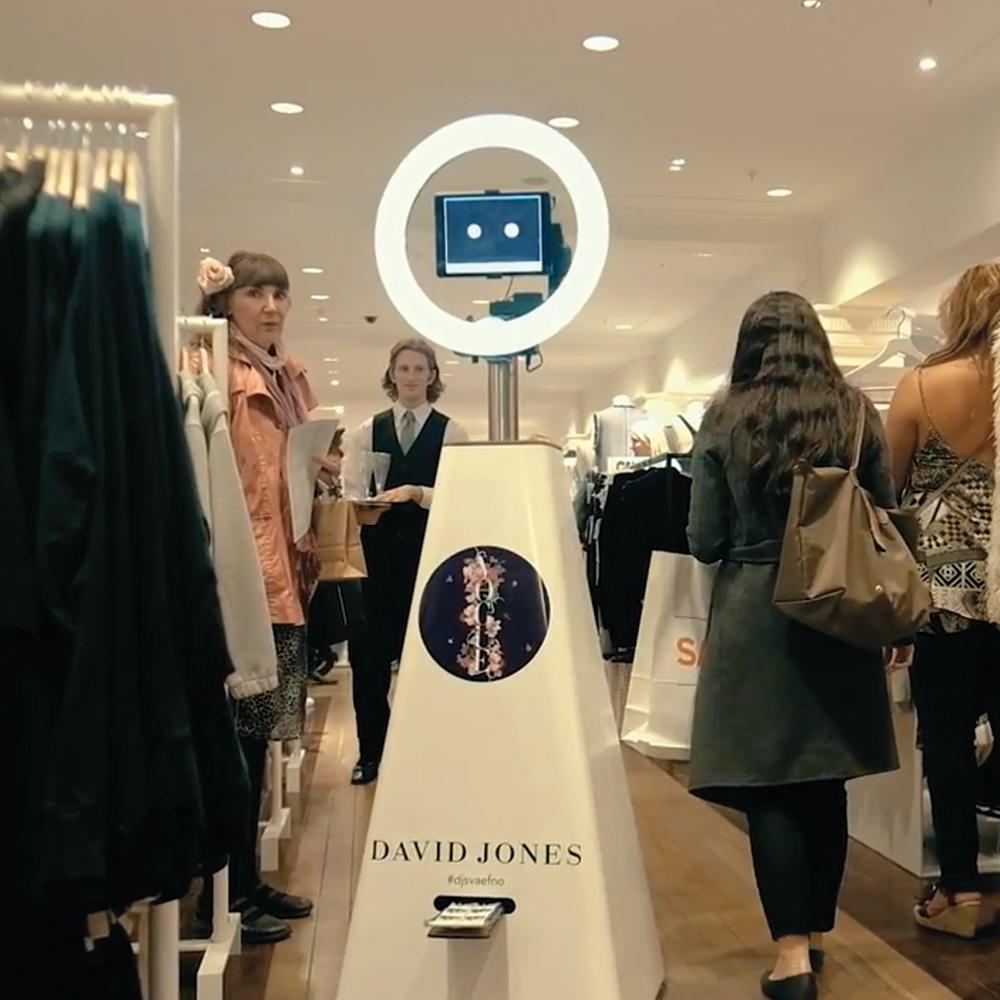 Selfiebot - roaming amongst the crowd