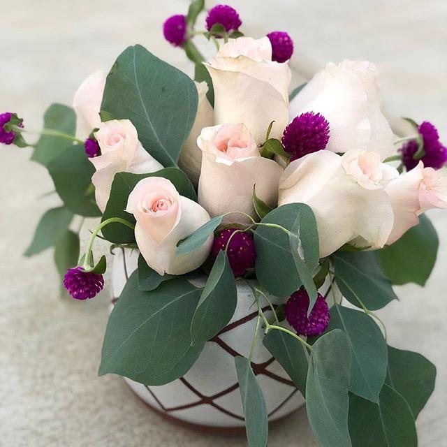 love celebrates 💕 . . . #birthdayflorals #lovewell #love #lwfloral #flowerstagram #floraldesign #bakersfield #beautifulbakersfield #bakersfieldflowers #bakersfieldfloral  #flowersofinstagtam #bloom #rosesandeuc