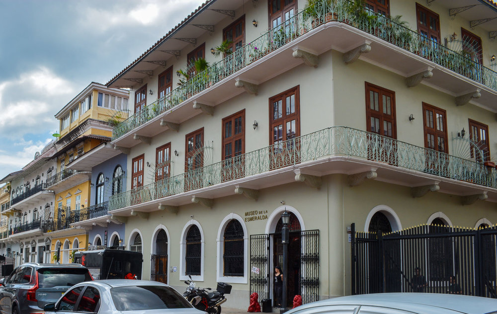 The Spanish influence is evident in all the buildings in Casco Viejo