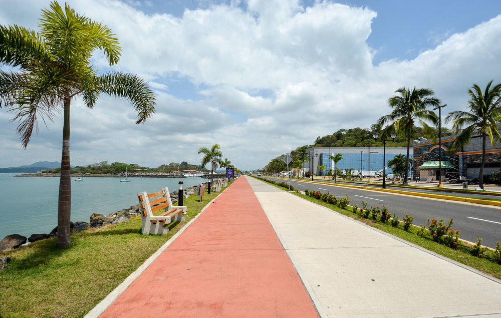 The bike trail along the causeway