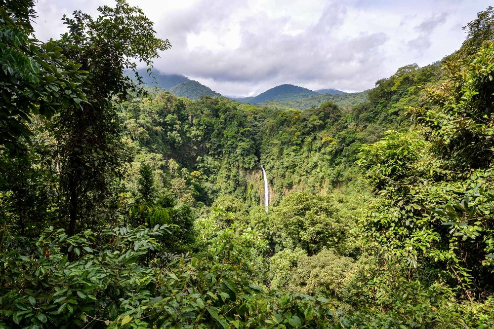 Viewpoint near the entrance of the La Fortuna park