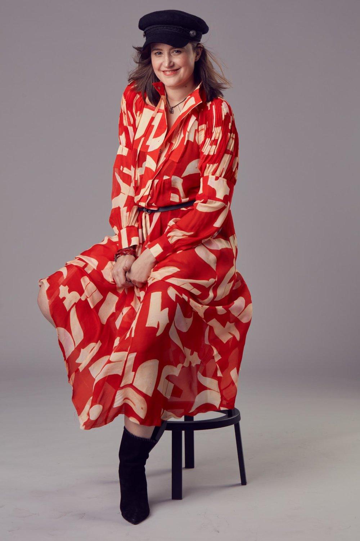 Pro Ženu a život jsem oblekla šaty s printem HM Studio