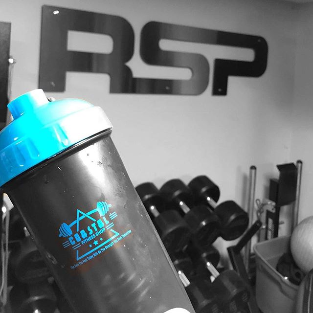 Early morning workout with @bluelife_inspired . Never miss a workout and get your essential needs on our website check it out. #rsp #rspnutrition #supplements #gym #familyfitness #fit2serve122
