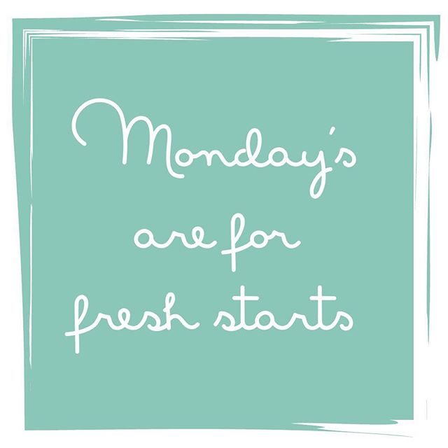 Rise & SHINE beauties 👰🏼✨ It's a new day & a new week & a new opportunity to live the life of your dreams. We forget that the engagement is about so much more than planning a wedding, it's about PLANNING YOUR NEW LIFE 💁🏼♀️ Monday's are the perfect chance to take a look at something that you aren't completely thrilled with and CHANGE it. Maybe that's implementing a new healthy routine, or maybe it's something bigger like reevaluating your job or where you live. Use this time as an excuse to make MAJOR changes in your life. What are you going to do today to take some little steps toward the life of your dreams? #yougotthis #butfirstcoffee #mondaymotivation #isaidyes #engaged #girlboss