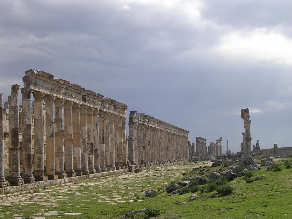 7.ruins-at-afamea.jpg