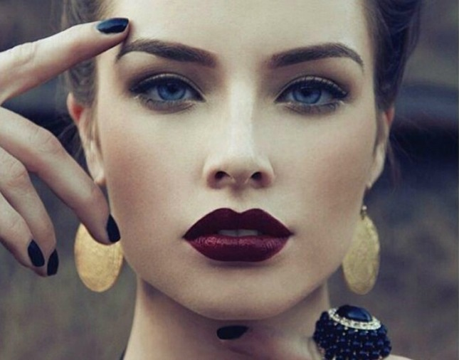 How to Spice Up Your Makeup Routine With Halloween-Inspired Looks