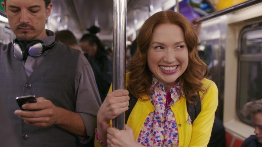 unbreakable-kimmy-schmidt-subway-nyc-netflix-smile