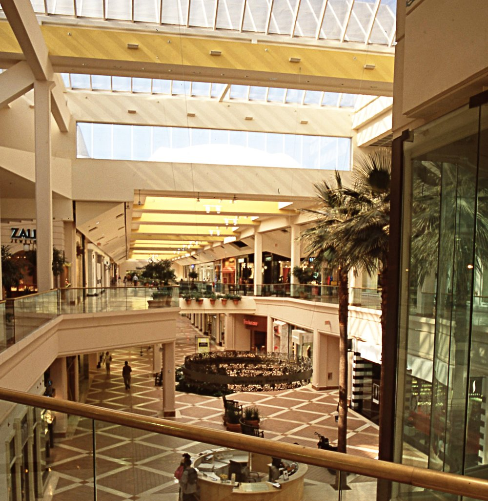 - A view from the center court.  Glass clerestory and skylights are used in court areas and bridges, while the remainder of the mall is illuminated with fabric skylgihts.