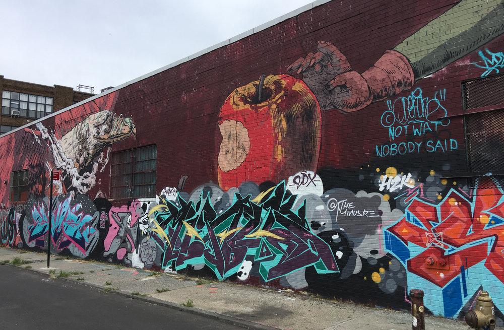 קיר גרפיטי בברוקלין