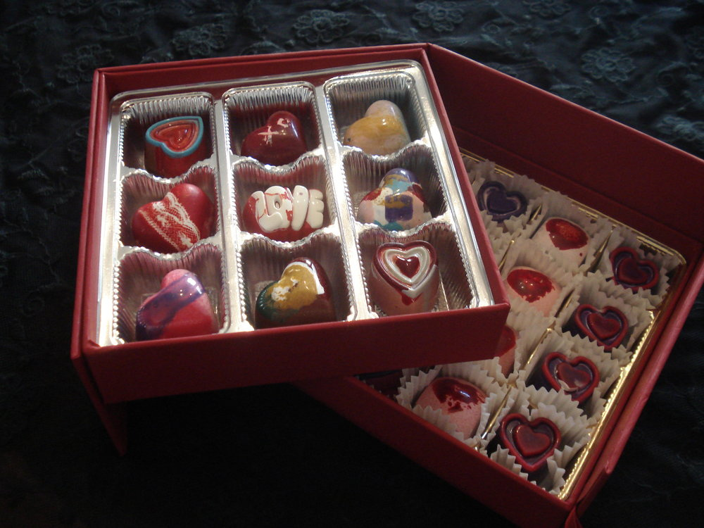 Lux Chocolat's mission is to create bonbons and confections that are as delectable as they are beautiful. Quality ingredients with balanced flavors are our number one priority. -