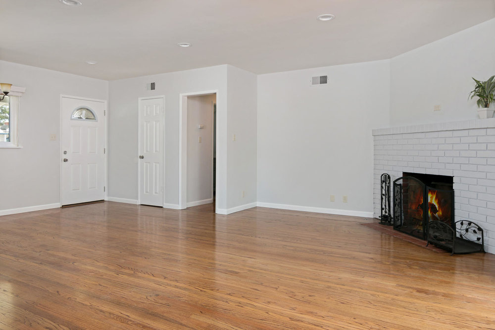 6901 Norton Ave-large-006-30-LivingDining Room-1500x1000-72dpi.jpg