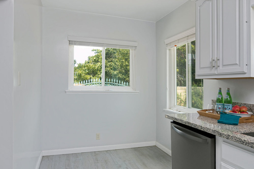 6901 Norton Ave-large-012-17-Breakfast Nook-1500x1000-72dpi.jpg