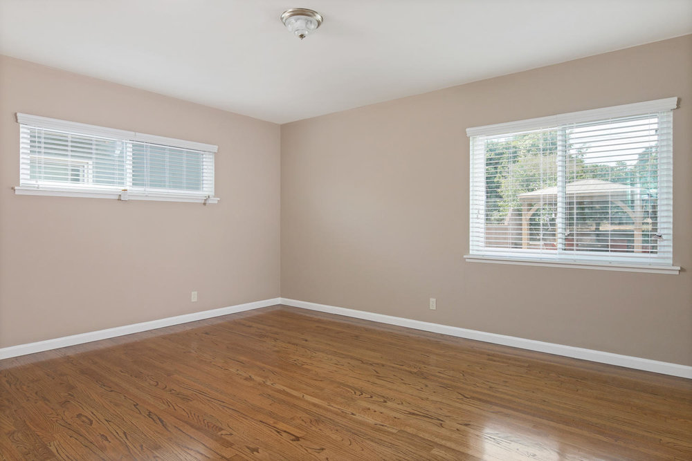 6901 Norton Ave-large-013-26-Bedroom-1500x1000-72dpi.jpg