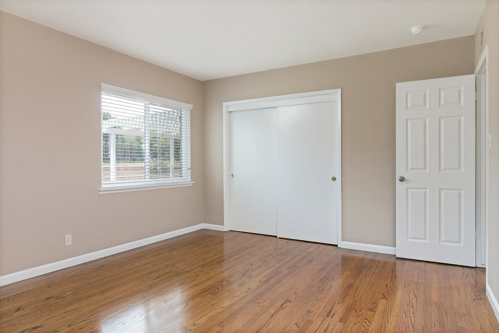 6901 Norton Ave-large-014-21-Bedroom-1500x1000-72dpi.jpg