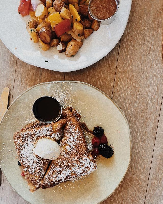 I'm a firm believer in weekend brunches ✨🙋🏼♀️ #thisisamerica