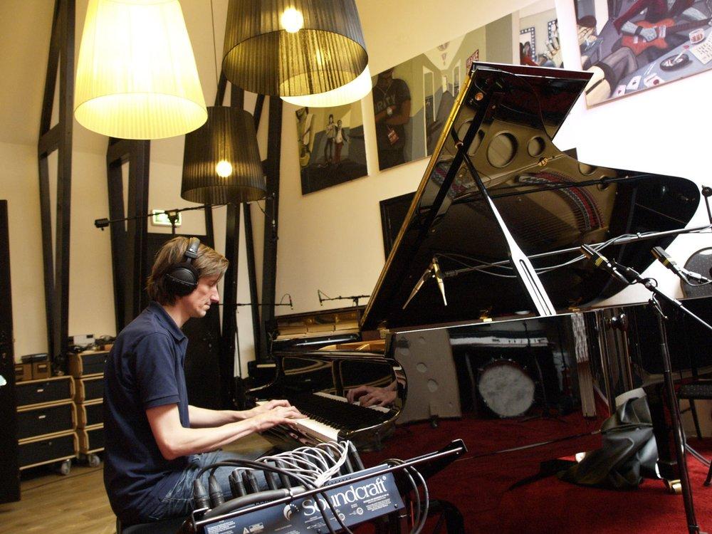 Sanlane piano.jpg