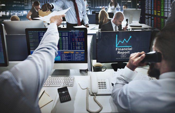 trading_broker_shutterstock_385211950-5bfc3b69c9e77c005183e69b.jpg