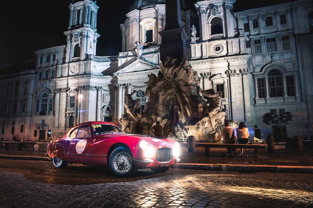 Jayson-Fong-Photography-Fiat8V-Piazza-Navona.jpg