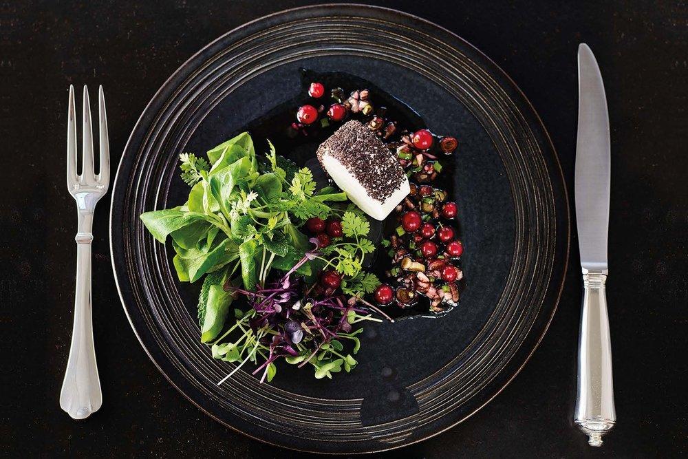 Ziegenkäse mit Kräuterfeldsalat und Mohnöl - Unser Zubereitungstipp von Pödör