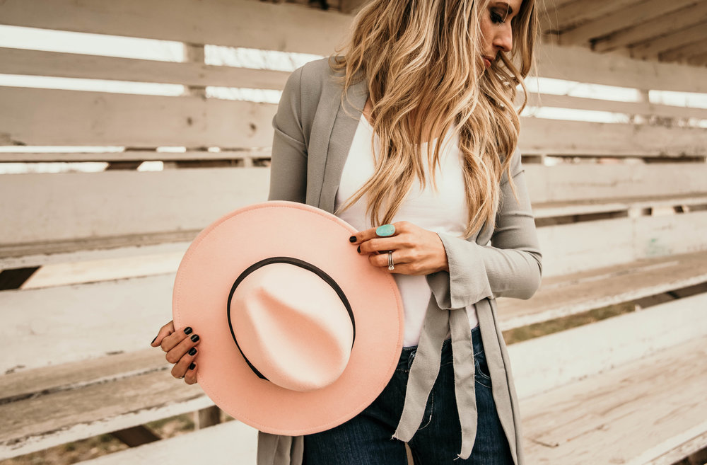 Miss. Miller's Photography | Kimes Ranch Jeans | Western Couture | Whitney Benton | pink felt hat western | western attire | western fashion | tourqious rodeo fashion | rodeo photo shoot